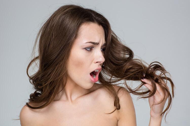 zaskoczona kondycją włosów
