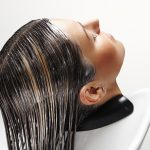 Jak używać odzywki do włosów?