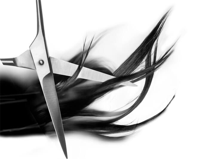 nożyczki na włosach