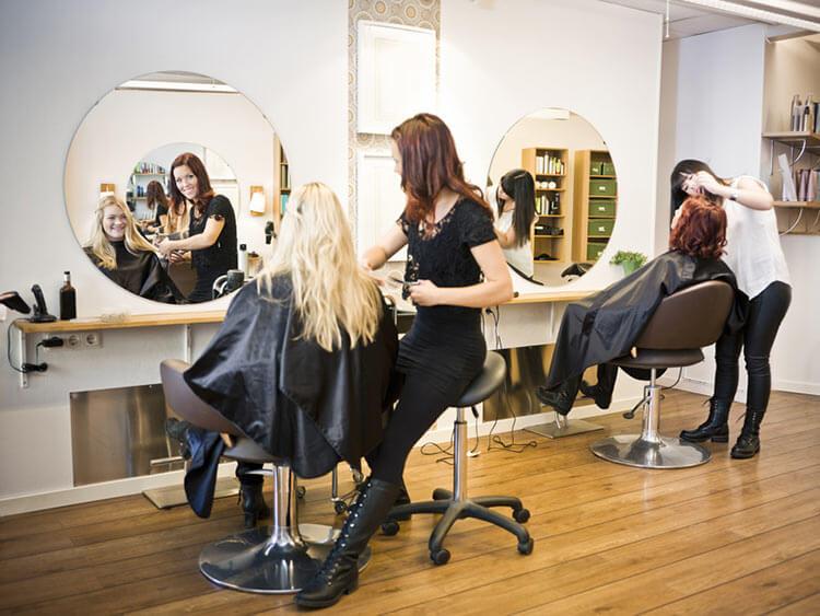 jak wybrać dobrego fryzjera