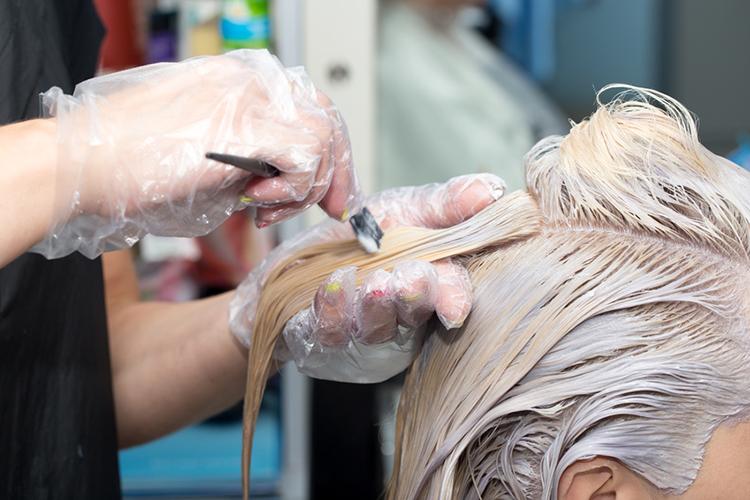 siwe włosy farbowanie