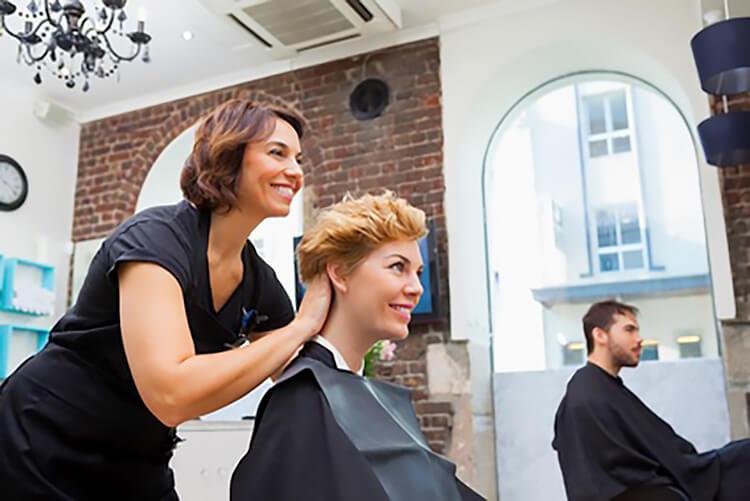 rozmowa z fryzjerem